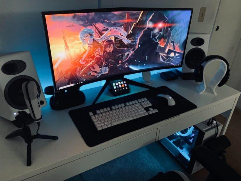DIY gaming desk